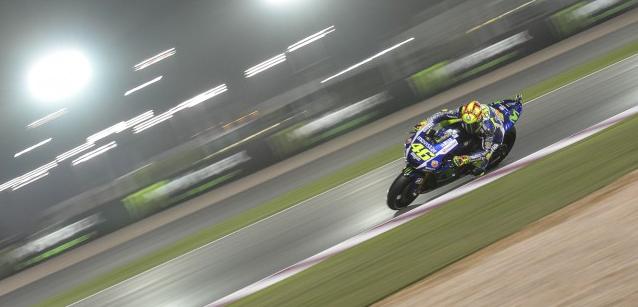 MotoGP: Valentino Rossi vence em Losail