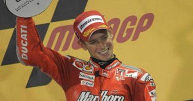 MotoGP: Casey Stoner vence em Losail