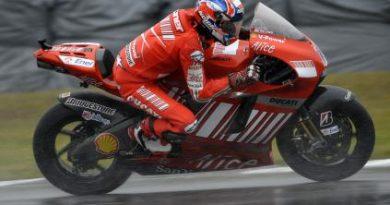 MotoGP: Com fratura, Stoner confirma presença na MotoGP
