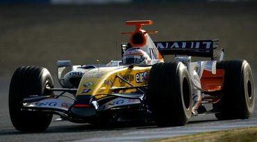 F1: Nelsinho Piquet pilota Renault em últimos testes da temporada