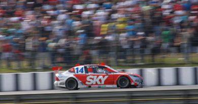 Stock: Mesmo com falta de rendimento no carro, Luciano Burti termina etapa de Curitiba em 15º
