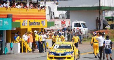 Stock: Quebra dos prisioneiros da roda tira Cacá do pódio em Brasília