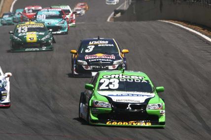 Stock: Duda marca seis pontos em Interlagos