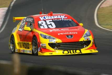 Stock: Campeão em 2003, o piloto do Peugeot 35 acredita que a pole position não é impossível