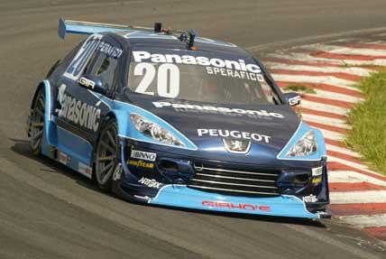 Stock: Melhoras no carro empolgam Ricardo Sperafico