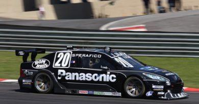 Stock: Ricardo Sperafico comemora o segundo lugar em Interlagos