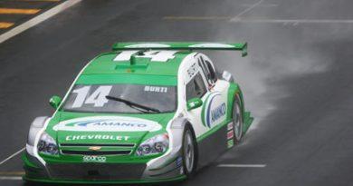 Stock: Em treino chuvoso, Burti larga da 5ª posição na etapa de abertura da categoria