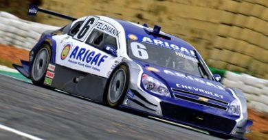 Stock: Boettger coloca pilotos na zona de pontos