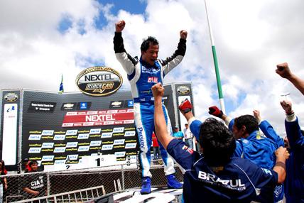 Stock: De ponta a ponta, Khodair vence pela primeira vez em Brasília