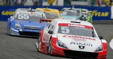 Stock: Barra de direção arruina corrida de Bernoldi