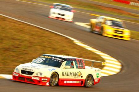Pick-Up: Décimo no grid, Kray estuda reação do carro com pneus novos