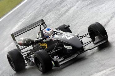 F3 Asiática: Rafael Suzuki larga da primeira fila na abertura do Super Racing Festival nas Filipinas