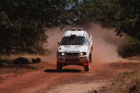 Rally: Cassol e Lelinho faturam 2º lugar na penúltima etapa do Sertões