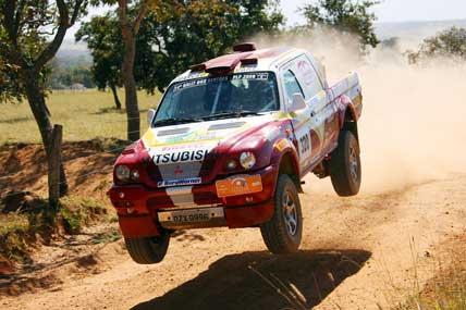 Rally: Campeões dos Sertões defendem a liderança na Copa RallySP