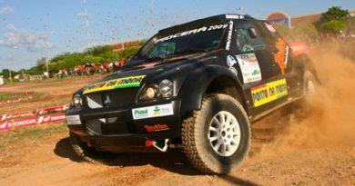 Rally: Riamburgo Ximenes e Stanger Eller estreiam carro novo faturam o prólogo