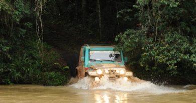 Rally: Competidores têm um dia de lama no Transparaná