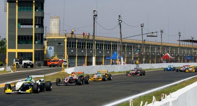 F3 Brasil: Samaia e Raucci vencem em Londrina, e disputa pelo título da temporada segue aberta