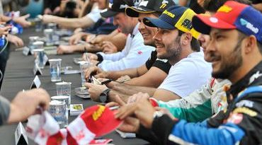 Stock: Carreata abre programação da Corrida do Milhão Pirelli em Curitiba