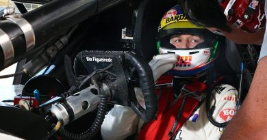 Stock: Bia Figueiredo faz homenagem a Justin Wilson em seu volante