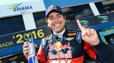 Stock: Cacá Bueno bate Barrichello no final e marca segunda pole-position consecutiva