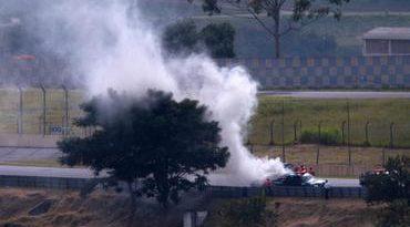 Stock: Carro de Cacá Bueno pega fogo