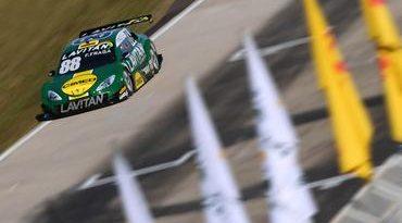 Stock: Felipe Fraga mostra bom ritmo e começa na frente