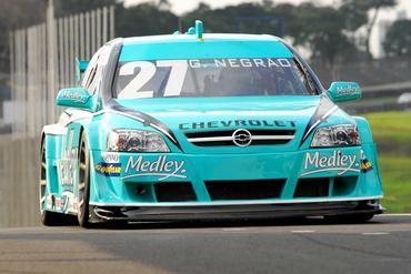 Stock: Guto Negrão domina testes da Stock Car em Interlagos