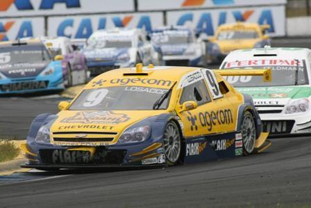 Stock: Losacco e Leite pontuam para a Hot Car em Curitiba