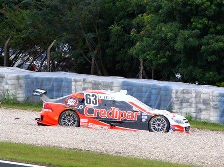 Stock: Problema no freio tira Kaesemodel da prova em Curitiba