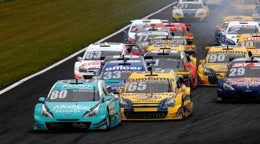 Stock: Incrédulo, Camilo vence abertura da Stock Car em Curitiba