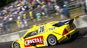 Stock: Juliano Moro termina em 15º e marca ponto para a Crystal Racing Team