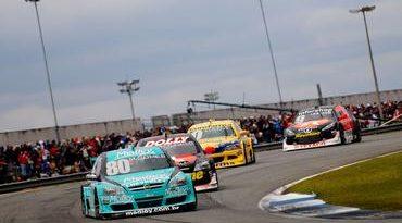 Stock: Viamão recebe o melhor do automobilismo nacional