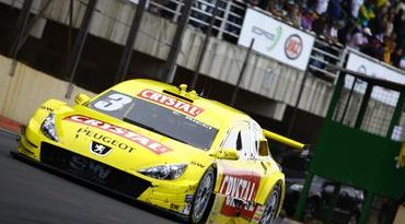Stock: Crystal Racing Team coloca os dois carros nos pontos na Corrida do Milhão