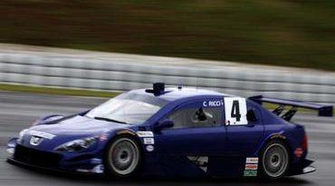 Stock: Ricci estreia com carro novo na décima fila