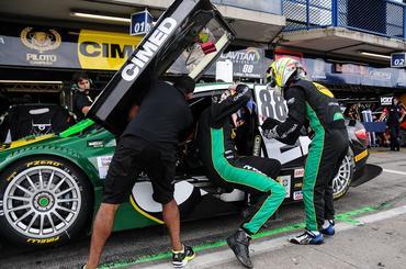 Stock: Felipe Fraga e Rodrigo Sperafico são os mais rápidos da sexta-feira