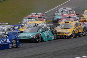 Stock: Valdeno vence em Curitiba e assume liderança da Stock Car
