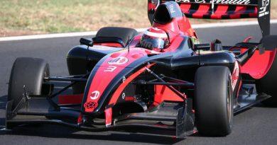 Superleague Fórmula: Milan é o melhor no primeiro teste coletivo da história