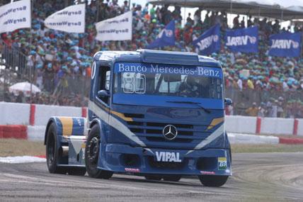Truck: Acidente com Bueno tira primeiros pontos de Ramires na temporada