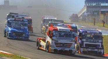 Truck: F-Truck: paralisação de caminhoneiros deixa equipes na estrada