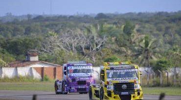 Copa Truck: Giaffone lidera treinos, mas mantém cautela
