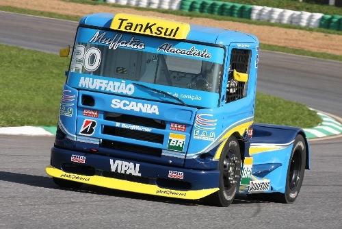 Truck: Panes hidráulicas deixam Andrade e Monteiro no fim do grid em Brasília