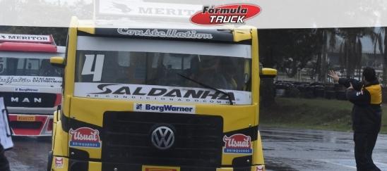 Truck: Felipe Giaffone larga na pole da Truck em Tarumã