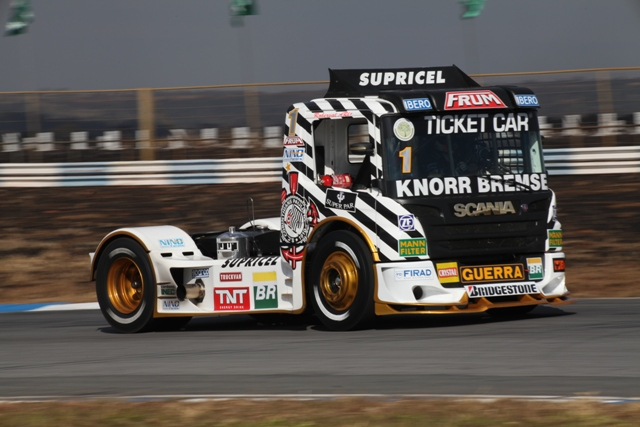 Truck: Roberval Andrade conquista pole em Goiânia