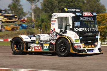 Truck: Roberval Andrade é pole position na F-Truck em Guaporé