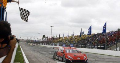 Stock: Valdeno Brito conquista segunda vitória e assume liderança da Copa Nextel Stock Car