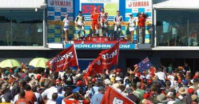Superbike: Troy Bayliss vence as duas provas em Phillip Island