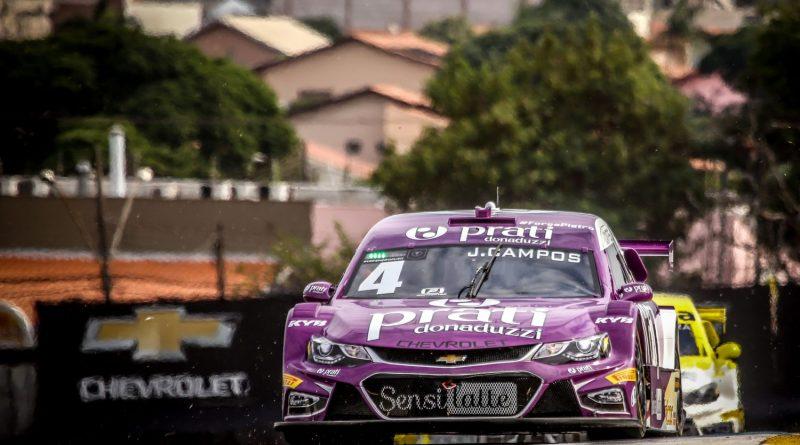 Stock Car fecha fase inicial com briga pelo 2º lugar