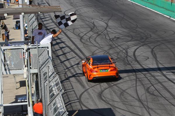Mercedes-Benz Challenge: Vitória da união em Interlagos