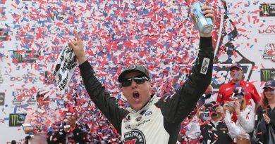 NASCAR Monster Energy Cup Series: Kevin Harvick vence em Dover