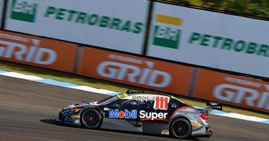 Stock: Barrichello brilha e conquista a pole